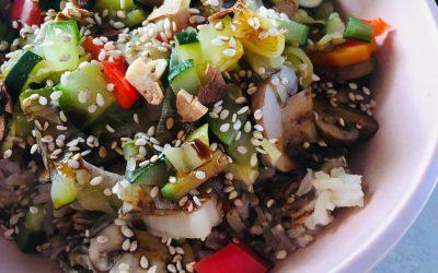 Oosterse groenten met rijst