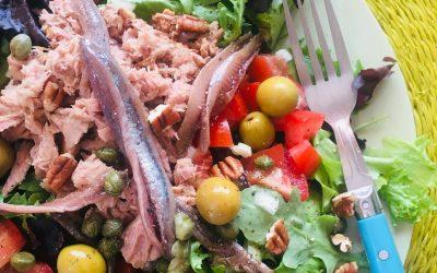 Salade met tonijn en olijven