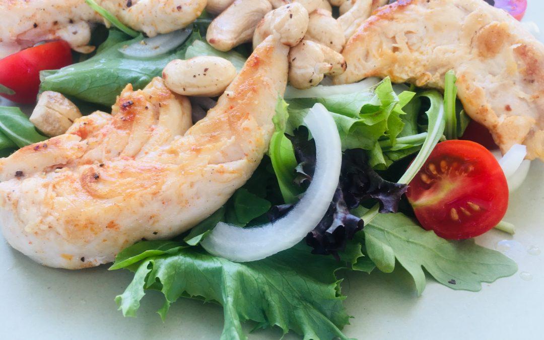 Salade met kip & cashewnoten